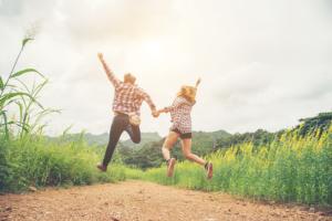 Mejora la comunicación con tu pareja y disfruta del verano
